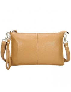 Kamelfärgad läder clutch, skinnväska i äkta läder, äkta skinnväska med avtagbar axelrem samt handledsrem