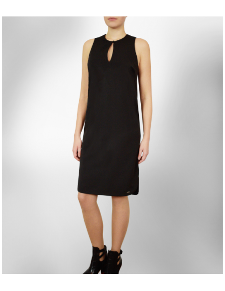 VONBON The little black dress in iron less fabric