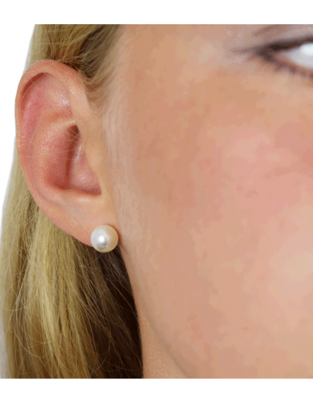 earring with mother of pearl from Pilgrim jewelry
