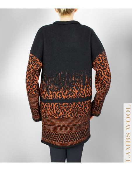 VONBON knitted cardigan in italian virginwool. Leo pattern in black and orange. Oversized fit.