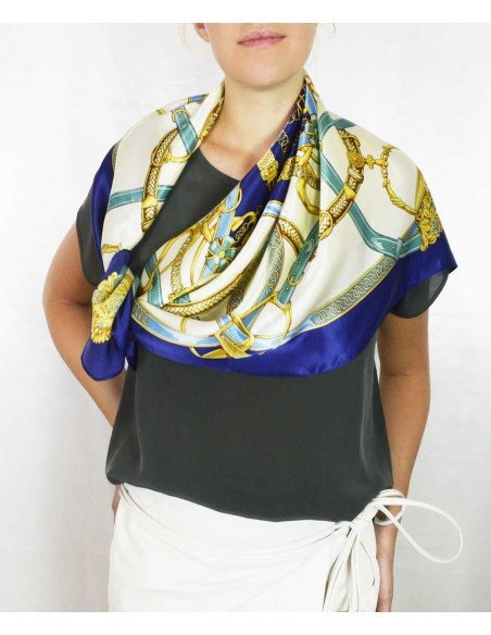 classic silk scarf in pure silk