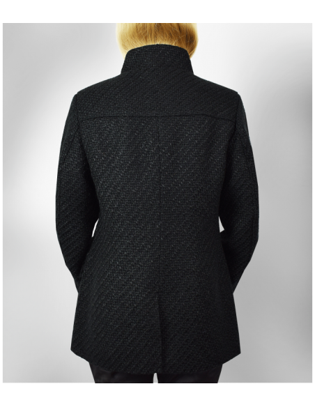 VONBON Chanel boucle jacket in color black. Big welt pockets, zipper front. Lined in exclusive paisley pattern.