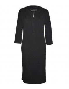 VONBON Jersey Dress in knitted structure. Color black, opening front and knee length.