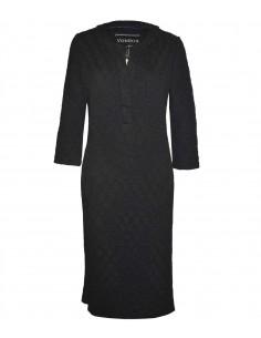 VONBON Jersey klänning, trikåklänning i svart färg med struktur mönster, öppen fram och knälängd.