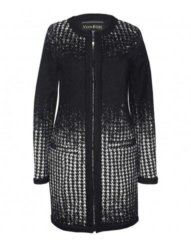 VONBON stickad cardigan i italiens lammull. Stickad jacka i hundtands mönster i svart och vitt.
