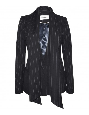 VONBON Pinstripe suit in cashmere wit a associated scarf. Color black.