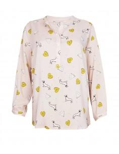 VONBON Viskos blus i puderrosa med trendigt tryck i vitt och senapsgult med diamanter och hundar.