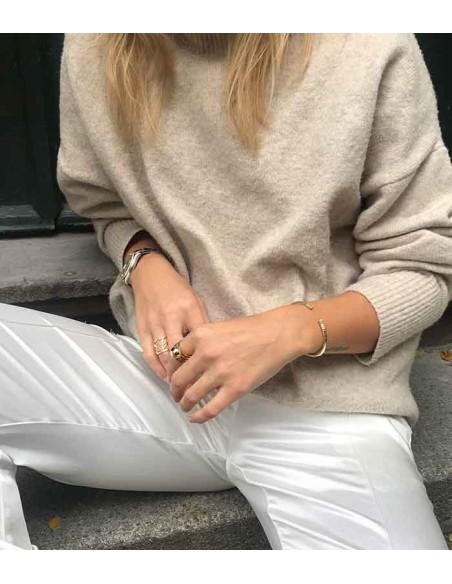 Pilgrim smycken - POE stor guld ring med en guldkula från Pilgrim Jewelry